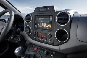 2015_Peugeot-Partner_16