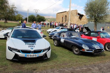 10 000 virages BMW i8 Jaguar Type-E