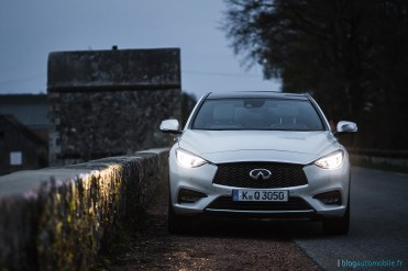 essai-review-infiniti-q30-2016-photo-56