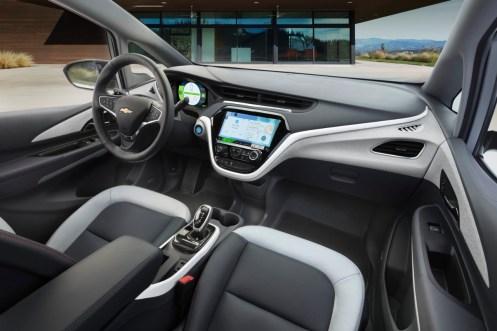 2017-Chevrolet-BoltEV-012