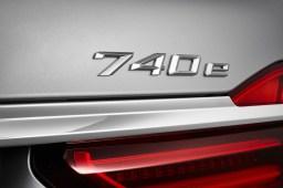 BMW 740e - 09