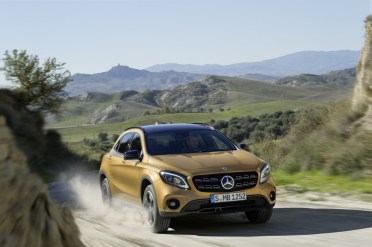 Mercedes-Benz GLA 2017 - 16