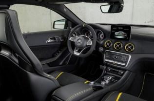 Mercedes-Benz GLA45 4Matic Yellow Night Edition 2017 - 10