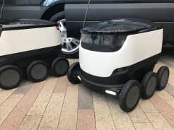 MercedesBenz-Vans-and-Starship-robots9