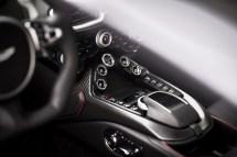 Aston Martin Vantage - 13