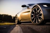 Aston Martin Vantage - 16