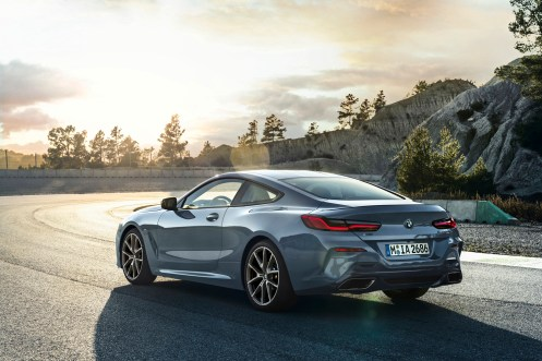 BMWSerie8P90306596_highRes_the-all-new-bmw-8-se