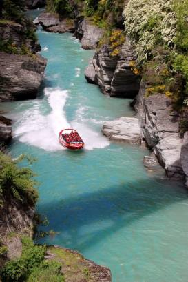 A jet boat on the Shooter river near Queenstown