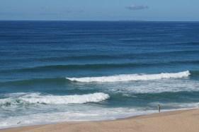 Hohe Wellen und kaltes Wasser