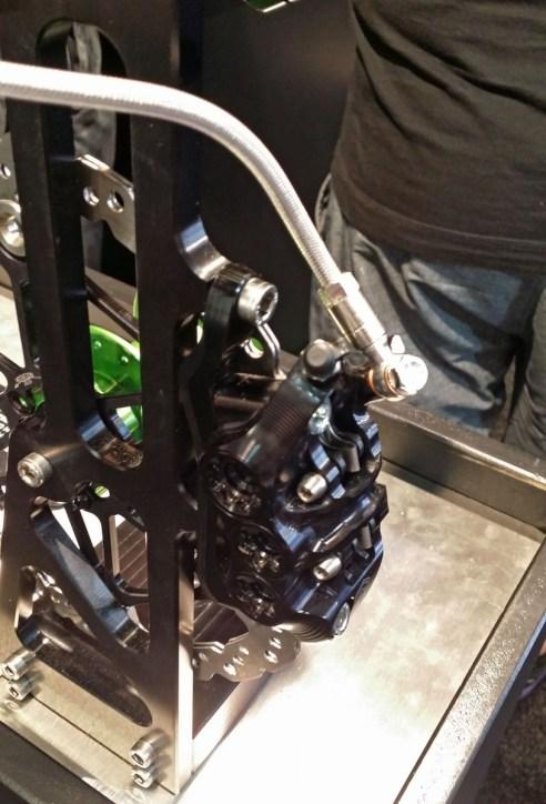 Prototyp eines Hope 6-Kolben Bremssattels