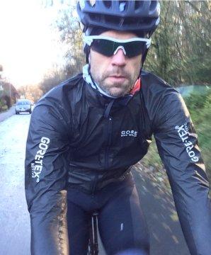 Gore Shakedry Jacke on the road...