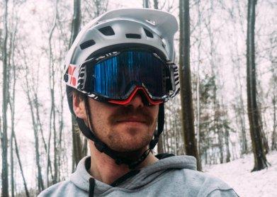 Ansicht MET Roam Helm mit Goggle