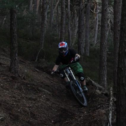 Wenn man seine Leidenschaft gefunden hat, dann vergisst man auch mal die Zeit und merkt erst wenn es dunkel wird, dass man den ganzen Tag auf dem Trail verbacht hat.