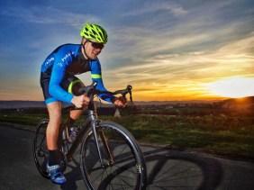 Zum trainieren seiner Ausdauer verbringt Eric auch Zeit auf dem Rennrad, der perfekten Maschine dafür!