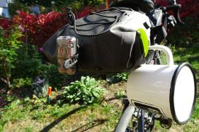 Unsere Emaille-Tasse rundet jedes Bikepacking-Setup perfekt ab.