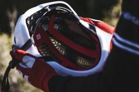 Specter-WaveCel-Helmet_Trek-Factory-Racing-MTB_Lifestyle_2