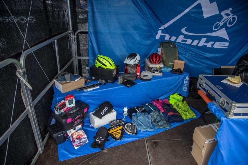 Für die Schnitzeljag haben HIBIKE-Marken wie Giro, Fox oder Deuter ordentlich was springen lassen und tolle Gewinne spendiert.