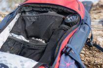 Werkzeugfach mit unterschiedlich großen Netztaschen, um alles sortiert und gut erreichbar zu verstauen.