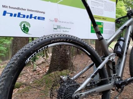 Die Tubeless-Montage des Scorpions auf den Hope Laufradsatz ging einfach von der Hand.
