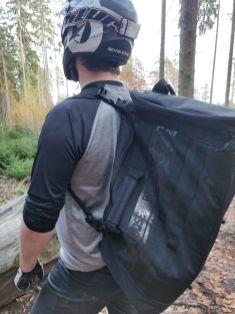 Mit wenigen Handgriffen wird der Bag zum Rucksack