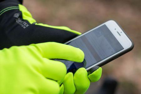 Die GORE-TEX INFINIUM™ Handschuhe sind nicht nur Touchscreen...