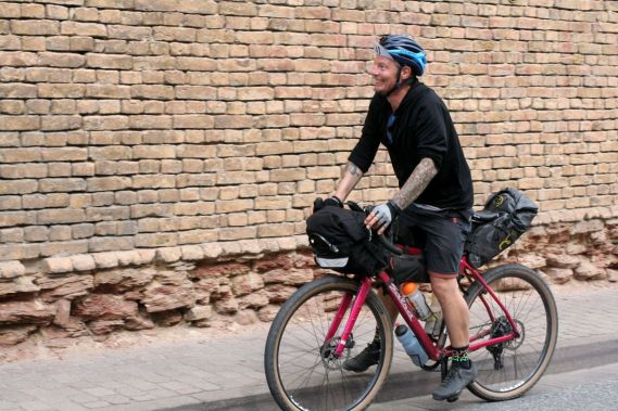 Große Augen sind beim Taunus Bikepacking keine Seltenheit, denn es liegen jede Menge Sehenswürdigkeiten auf der Strecke.
