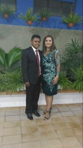 Vereador Val (DEM) ao lado da prefeita Elissandra Brito.