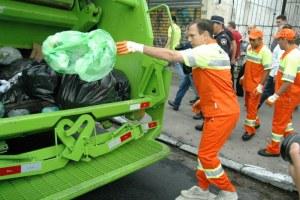 O prefeito de São Paulo, João Doria (PSDB), em ação do programa Cidade Linda