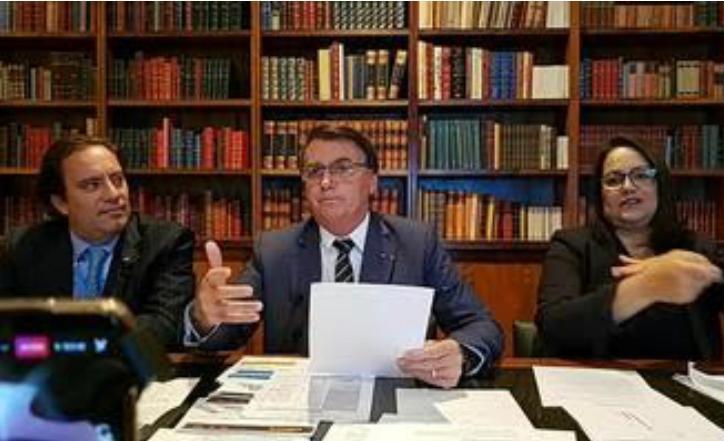 'Se não tiver voto impresso, não terá eleição', diz Bolsonaro a ministro do TSE