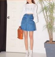 Cintura-alta-passo-saia-jeans-stretch-de-bot&otilde