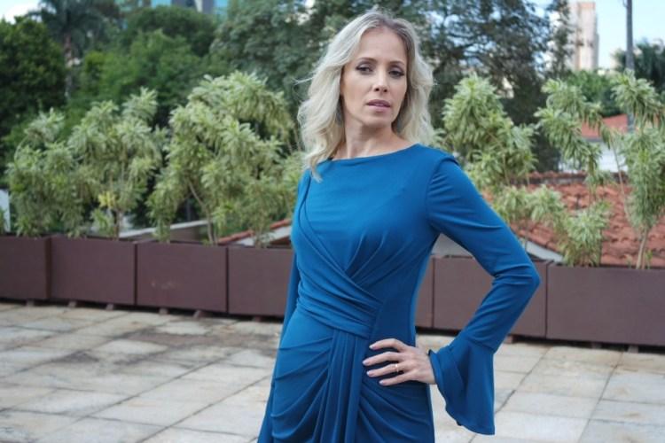 vestido azul drapeado alphorria blog da ana