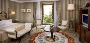 13melialareconquista-suiteroom1