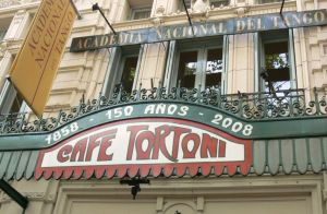 cafe-tortoni-is-the-artistic-intellectual-heart-n1-buenos-aires-argentina1152_12825289295-tpfil02aw-25995
