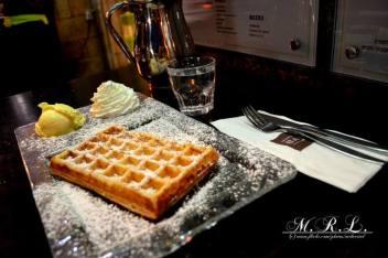 waffle-bar-powdered-sugar.jpg.824x0_q71