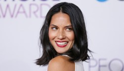 """Actress Olivia Munn, of the series """"Newsroom,"""" arrives at the 2013 People's Choice Awards in Los Angeles, January 9, 2013. REUTERS/Danny Moloshok (UNITED STATES - Tags: ENTERTAINMENT) (PEOPLESCHOICE - ARRIVALS) - RTR3C9FY"""