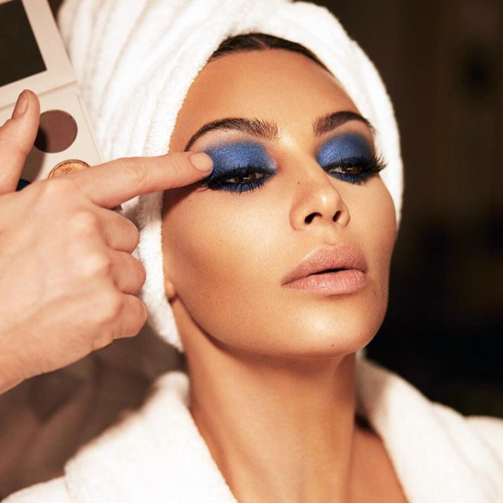WEB-kimkardashian-blue-eye-shadow