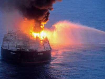 incêndio navio