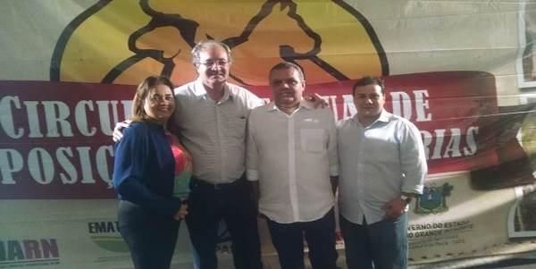 Secretário de agricultura ( Haroldo), diretora da III URSAP ( Dra Lourdinha ),presidente do PSD de Lajes ( Marcelo) e diretor do DER ( Cláudio)