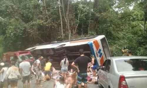 ônibus transportavam mais de 70 passageiros