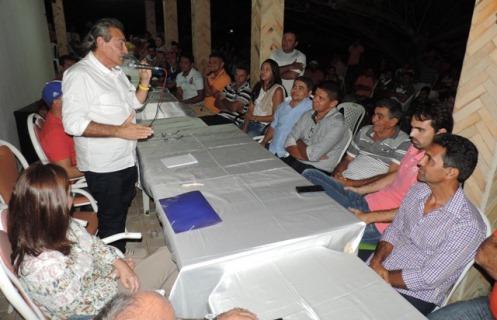 José Adécio na reunião com lideranças políticas de Pedro Avelino