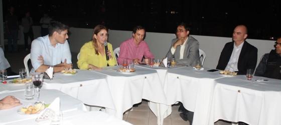 Secretária Kalina com representantes da CDL