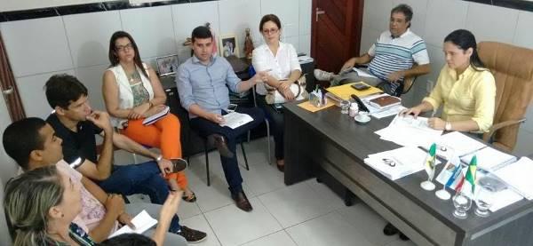 Prefeita fala de crise e pede contenção de despesas(foto: Adriana Nascimento)