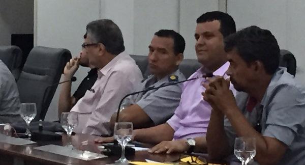 Prefeito Hélio na reunião para deliberar sobre efeitos da seca
