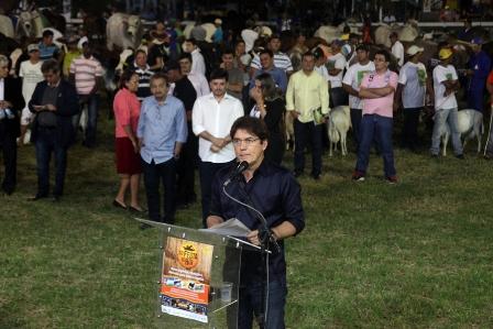Governador abre oficialmente a Festa do Boi