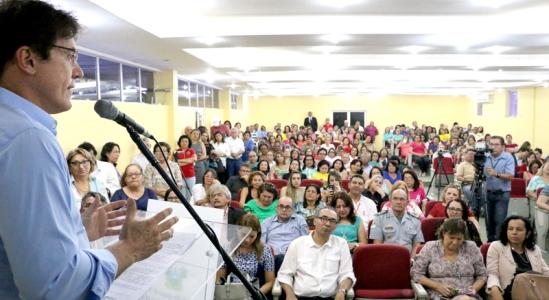 Governador anuncia progressão horizontal para professores(Foto:Demis Roussos)