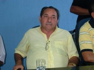 Prefeito Vavá deixa UTI do hospital hoje
