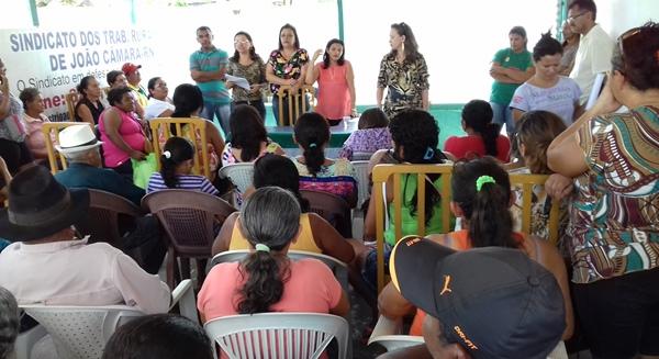 Reunião define parceria para implantação do programa Brasil Afabetizado