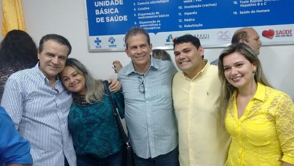 Prefeita Suely, ex-ministro Henrique Alves, Rafael Motta , Hermano Morais e vereador Betinho na inauguração do UBS em Cachoeira do Sapo