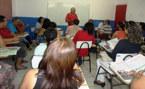 Sinte realiza assembleia com professores de Bento Fernandes