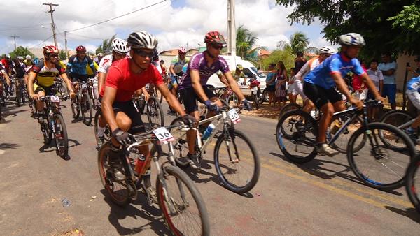 Largada da prova de Ciclismo Francisco Bezerra de Araújo